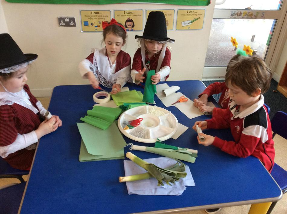 We made 3D leeks using different materials.