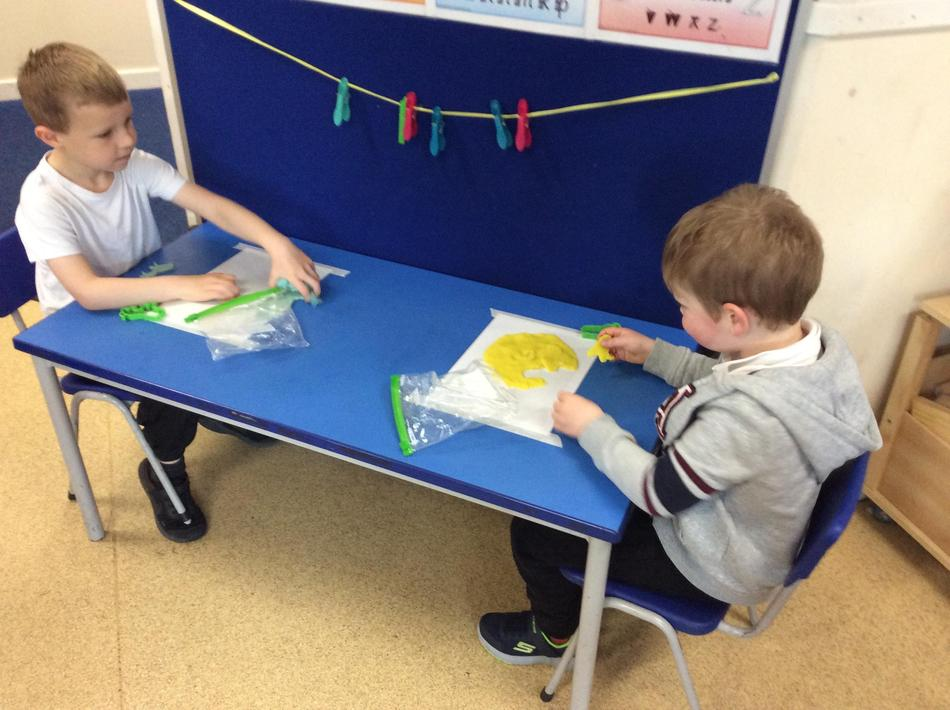 We wanted to make lions using our playdough.