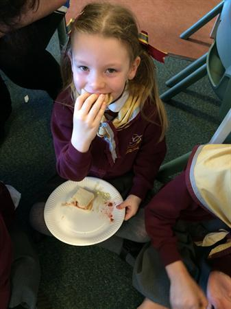 1/2M making their very own sandwiches!