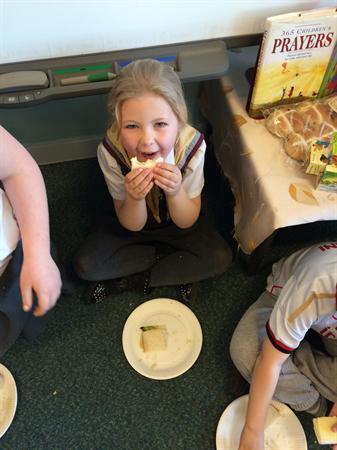 1/2M making their very own sandwiches!