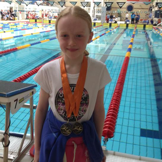 Cerys won bronze in the 25m breaststroke/freestyle