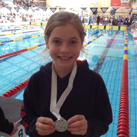 Anna won silver in 25m backstroke