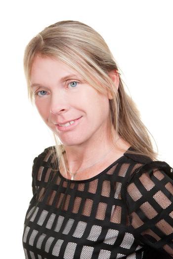 Mrs C Cox, LSA