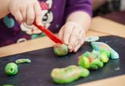 Cut the vegetables and vegetables (try play dough fruit!)
