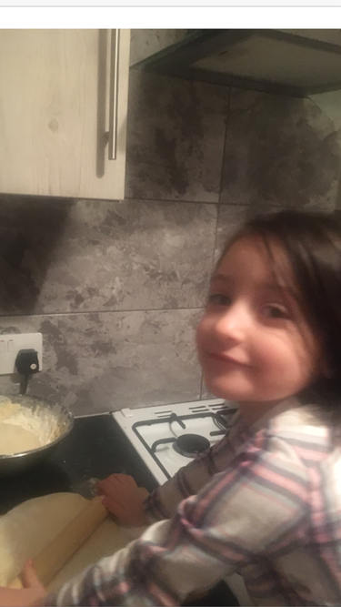 What do you think Sofia is going to make?