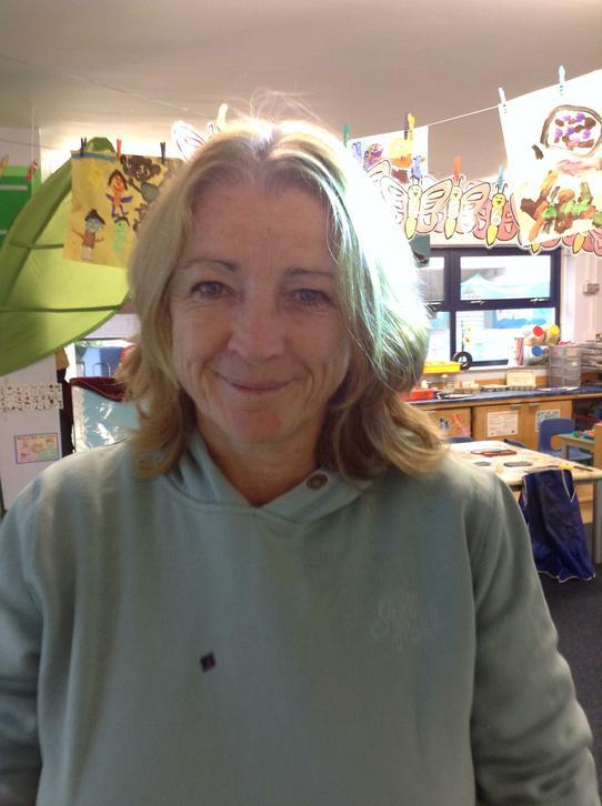Mrs Vikki Hooper, Teaching Assistant