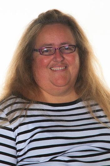 Mrs Penny Saunders