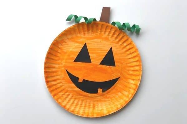 Easy Pumpkin Paper plate Art
