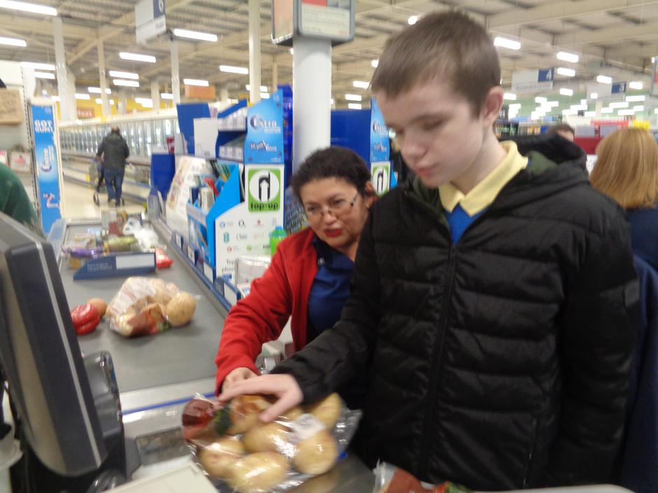 Lee helped to scan our shopping too