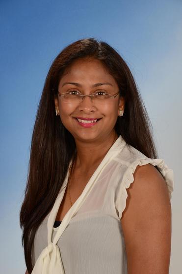 Jayshri Vara, Receptionist