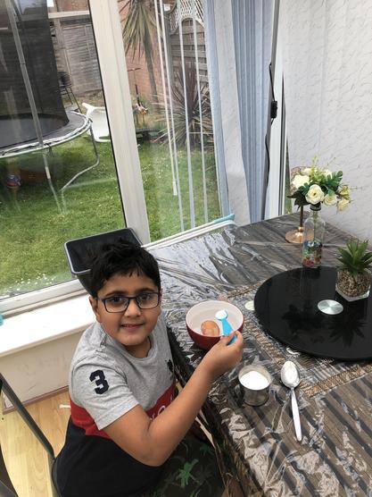 Arnav's egg-cellent floating experiment