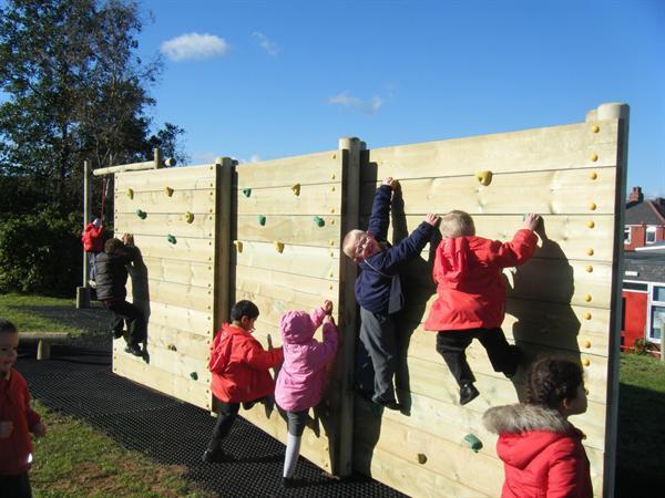 Trim Trail - Climbing wall