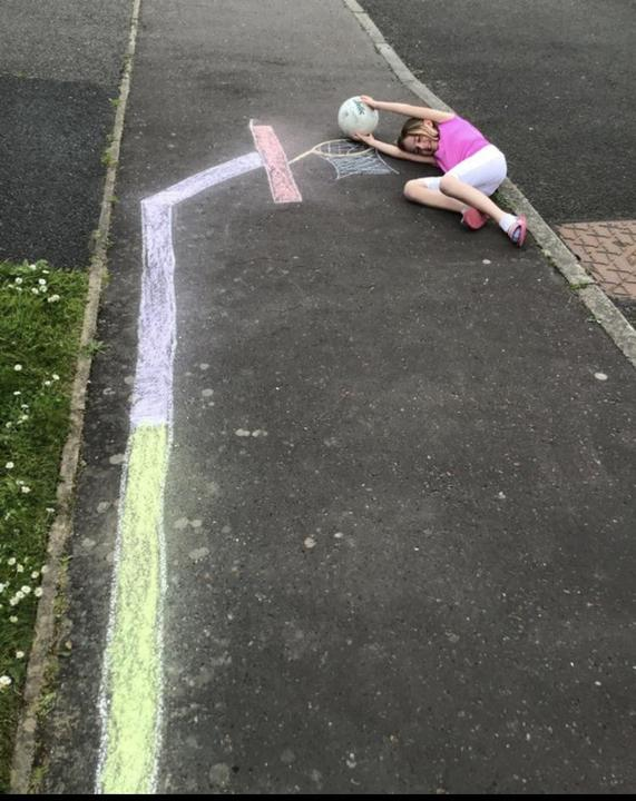 Amazing art work from Miya using chalk & herself!