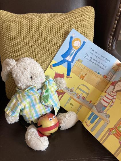 Reggie & Super Carrot read a story!