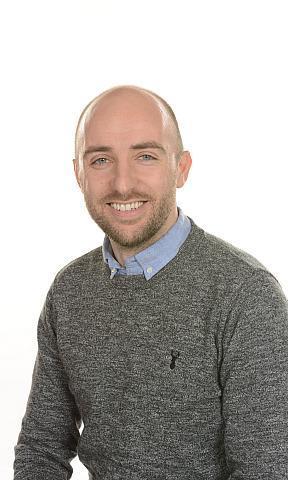 Mr Robertson - Primary 4/5 Teacher