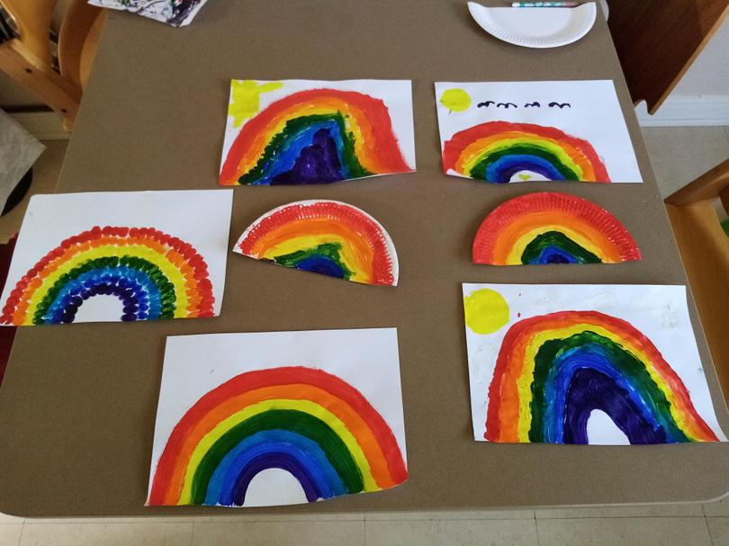Sophia and her sister made rainbows.