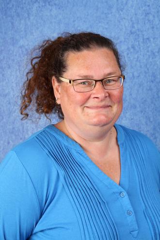 Mrs Golding - Teaching Assistant (2CS)