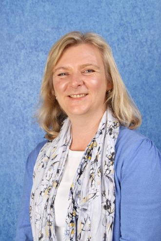 Mrs Cooke - Teaching Assistant (3SE)