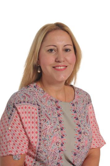 Mrs S Lukaszczyk - Higher Level Teaching assistant