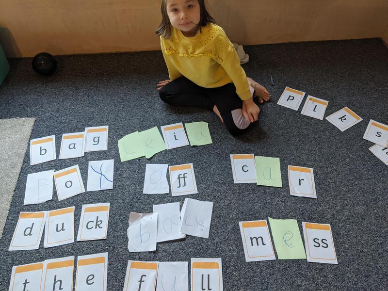 Leias phonics - making words