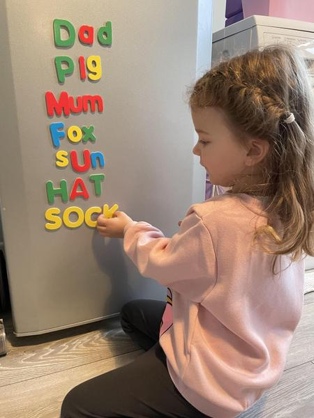 Evies phonics - making words
