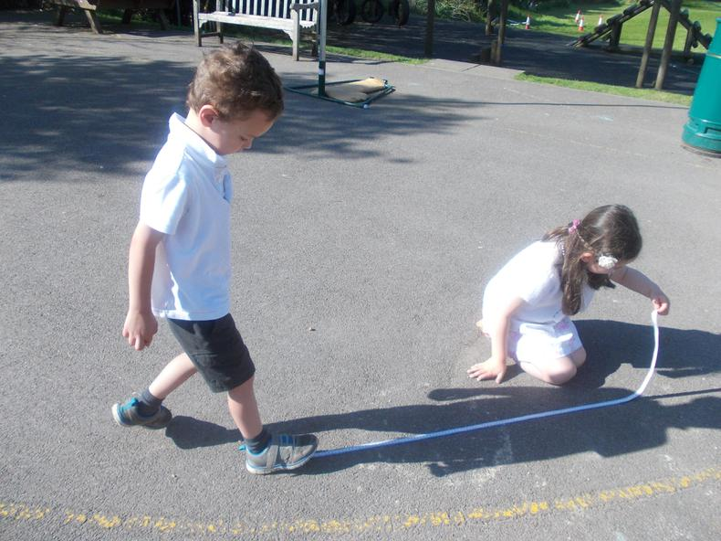 The children measured their shadows.