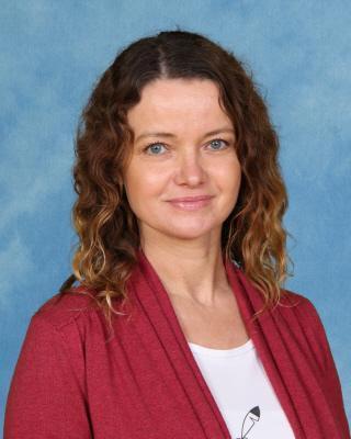 Mrs Karolina MacKenzie - Bee SNA