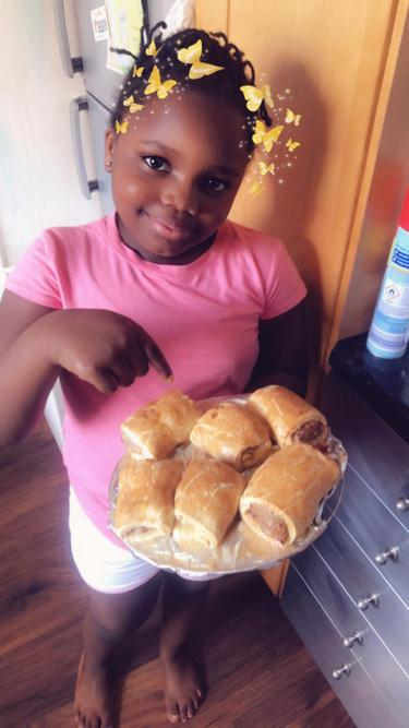 Elizabeth made sausage rolls with her family!