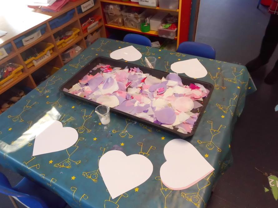 We used different materilas to decorate a heart