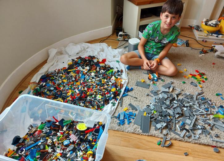 4VB Someone loves Lego