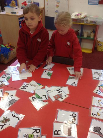 Sorting phonic sounds