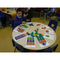 Practising matching numbers and amounts.