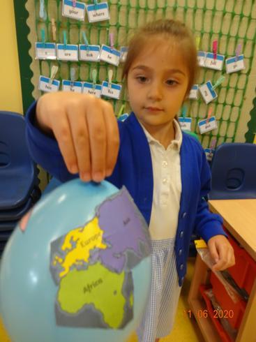 Taya's balloon globe