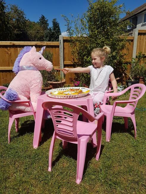 Gabriella and the Unicorn who came to tea