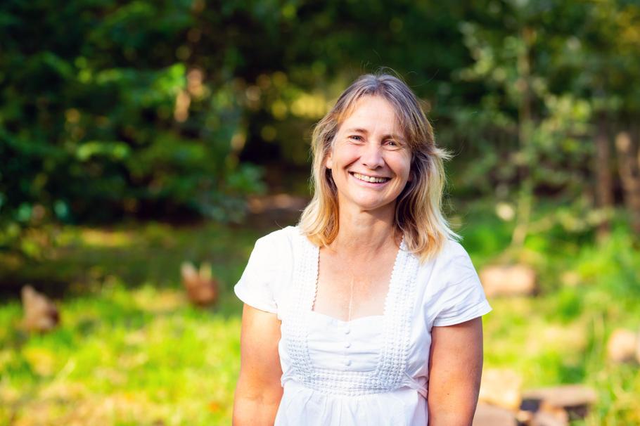 Julie Leader - HLTA