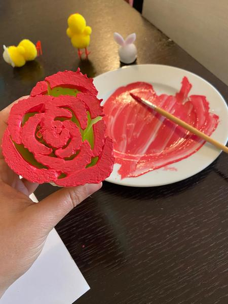 Printing the bottom of celery to make a rose