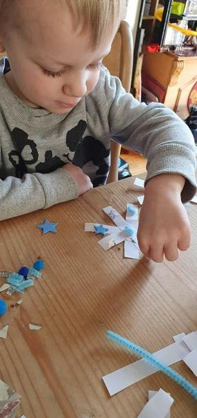 Making and decorating a snowflake
