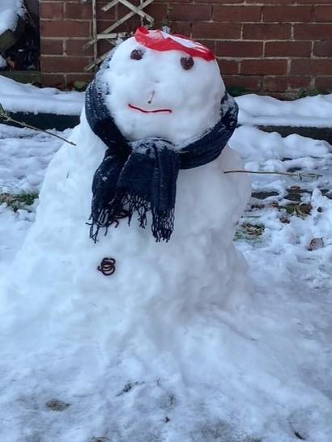What a wonderful snowman Aizha!