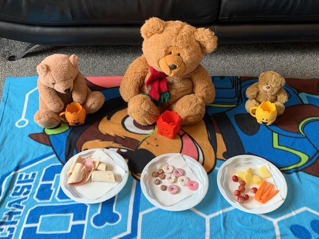 Tyreese's teddies enjoying their picnic!