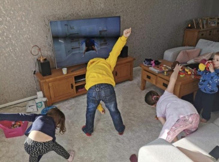 Great family effort here trying out Joe Wicks PE.