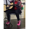 Chwarae gitar