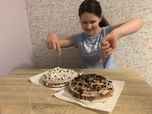 Lizzie made cakes