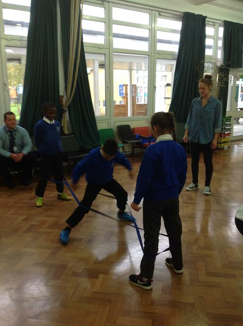 Group game for French Skipping