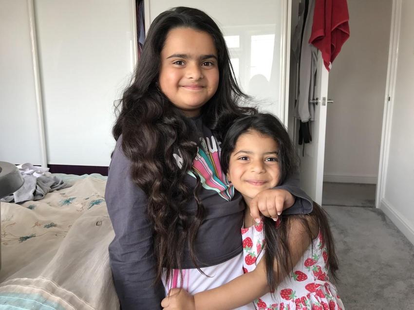 Amaya with her big sister Anya.