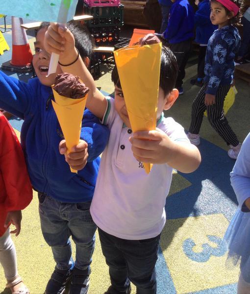 We play ice cream shop