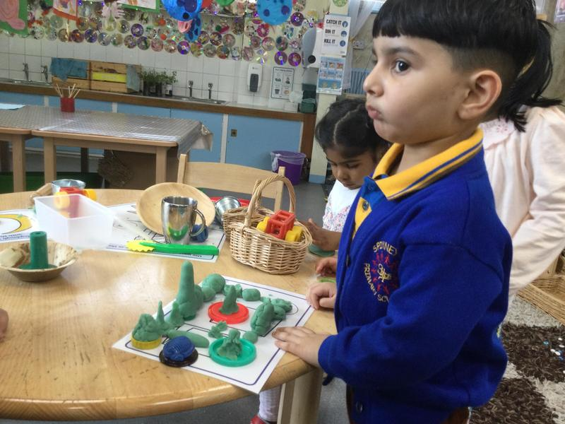 The children put their mosques together