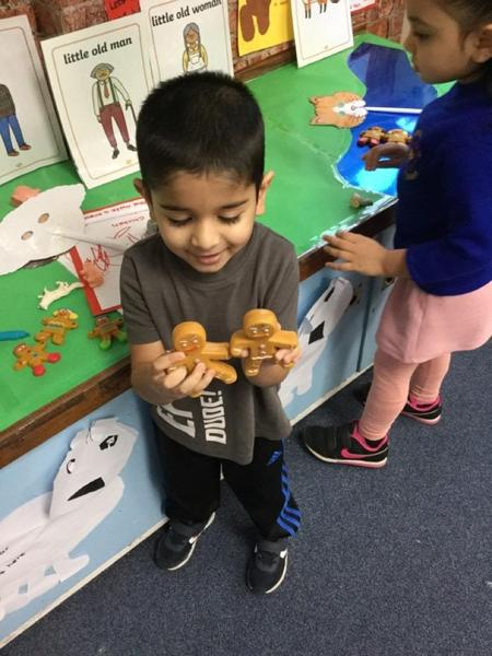 Farhan has found 2 gingerbread men