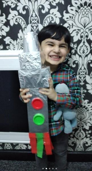 Ahmed makes his rocket at home with dad