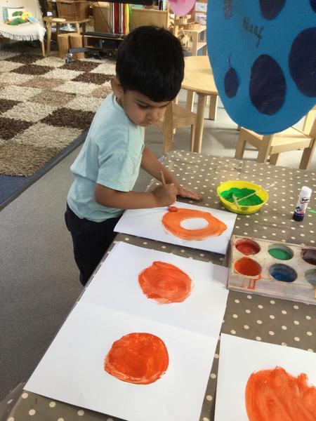 Muh V paints 2 oranges. How many altogether?