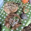 Painting stones and weaving